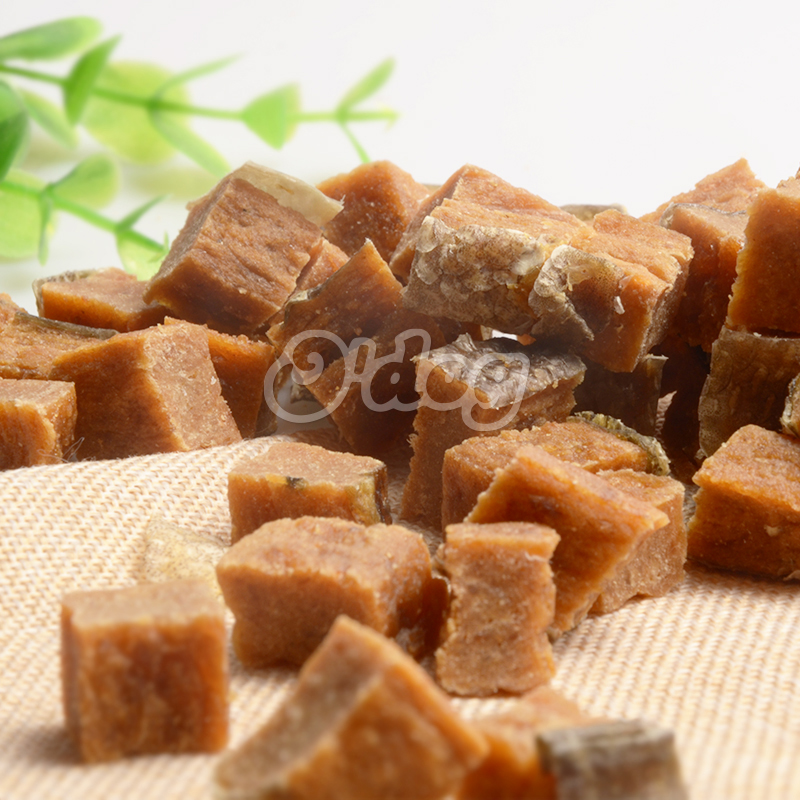 Fishskin with salmon meat cube seafood and original salmon pet organic snack for dog wholesale dog treats dog food partner